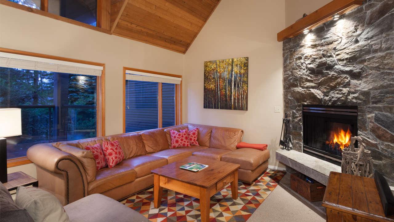 cedar ridge 26 3 bed ski in ski out whistler blackcomb